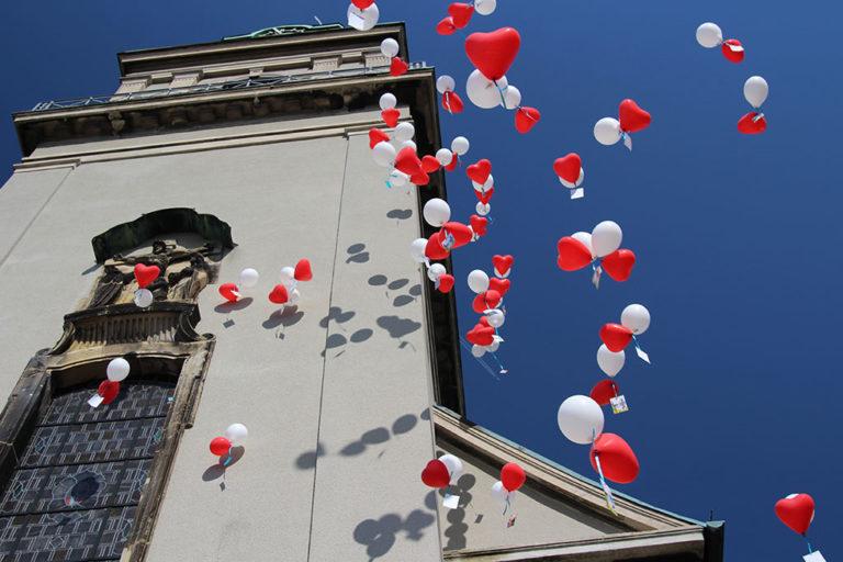 Lacher de Ballons mariage Anouk Pinup Sculptrice sur Ballons
